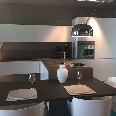 Cucine con penisola del tongo in sconto with cucine a - Cucine a ferro di cavallo ...