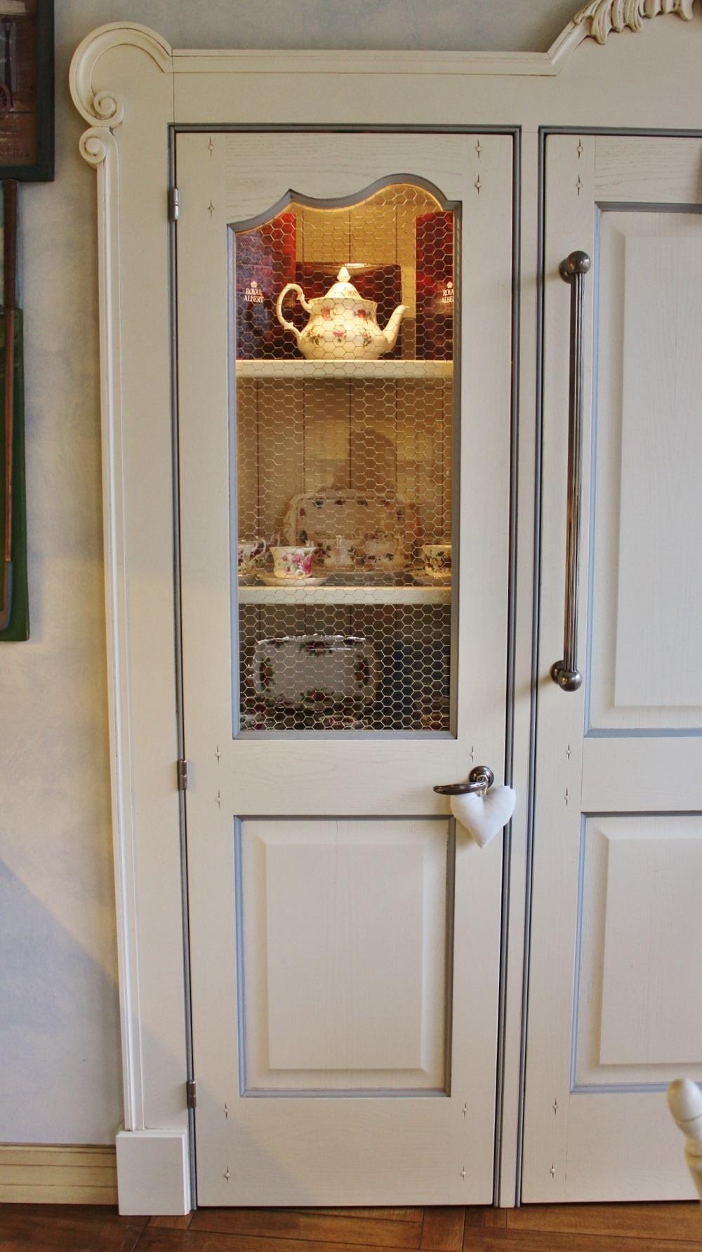 Lampadari led cucina - Cucina con dispensa angolare ...