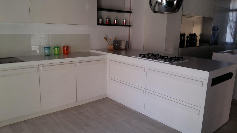 Doimo cucine cucina city moderno legno bianca cucine a - Prezzi doimo cucine ...