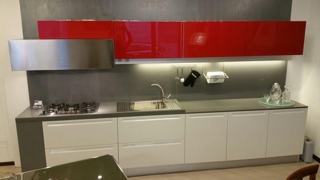 Cucina doimo modello extra laccato lucido sconto 60 - Prezzi doimo cucine ...