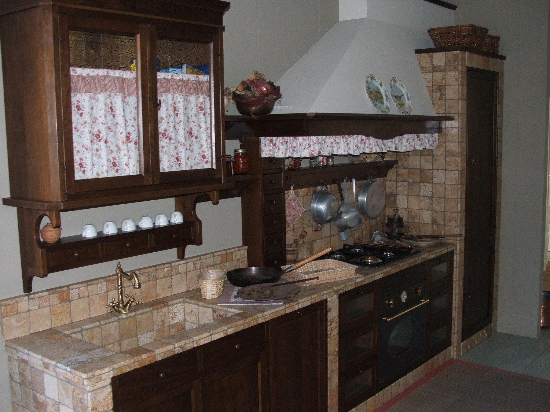 Cucine provenzali prezzi stunning provenzale cucine stile inglese tende per cucina classica - Costo cucine in muratura ...
