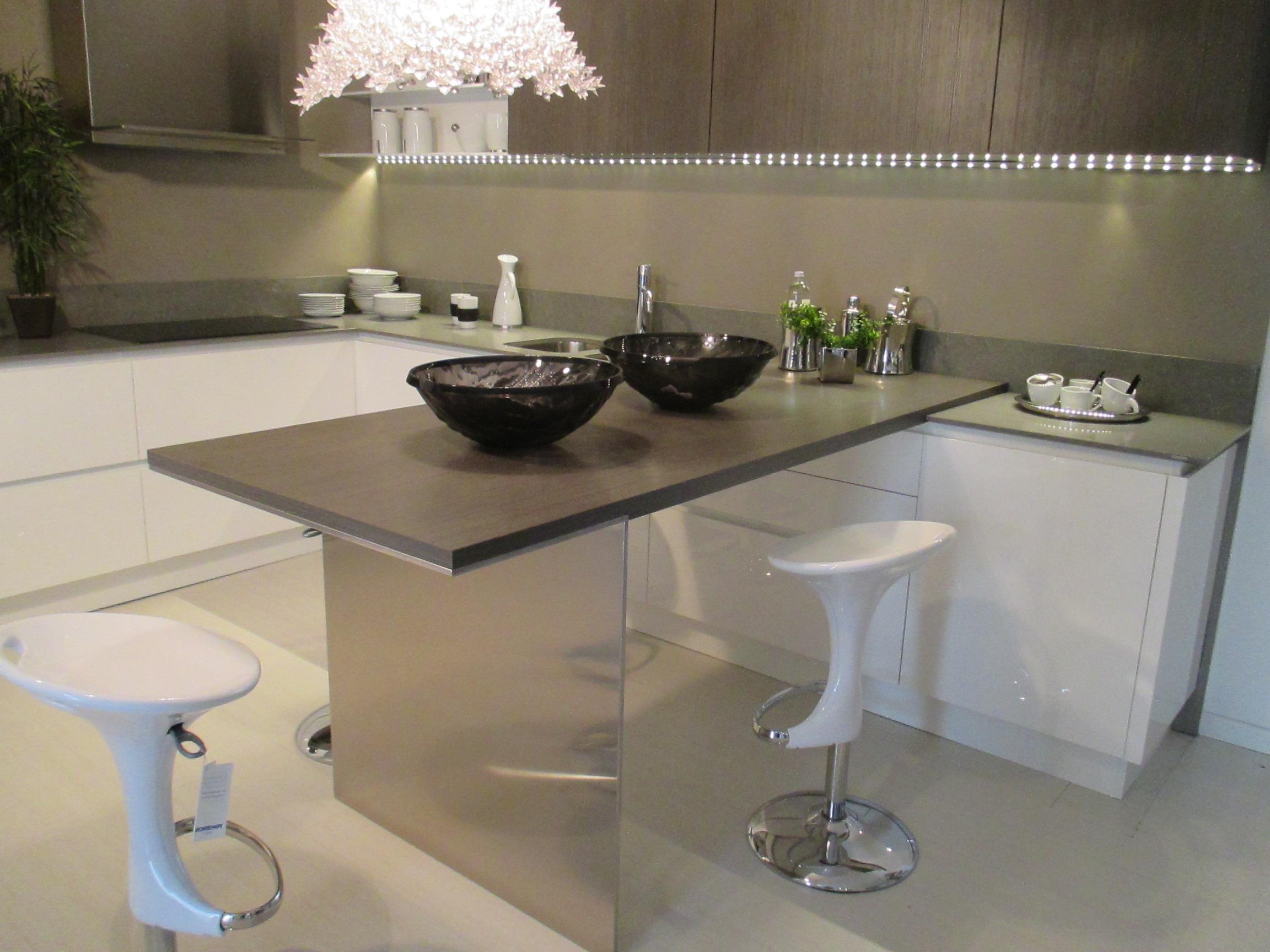Ernestomeda cucina emetrica design laccato lucido bianca cucine a prezzi scontati - Cucina ernestomeda prezzi ...