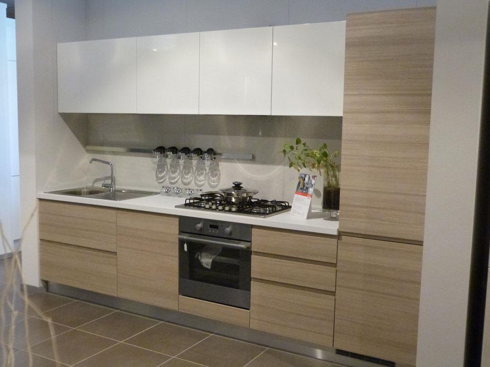 Essebi Cucine Zenit Polimerico Lucido e laminato materico - Cucine a prezzi scontati