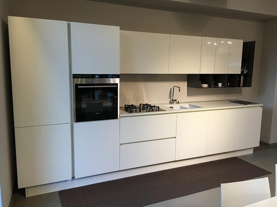 Cucina euromobil filo escape laminato rovere bianco scontato del 50 cucine a prezzi scontati - Laminato in cucina ...