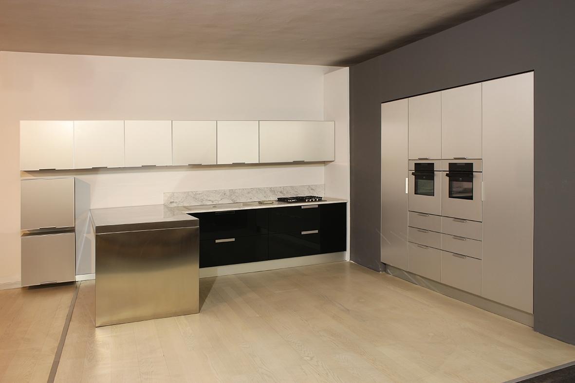 La Qualita Per Euromobil Cucine : Euromobili cucine di una cucina con isola with