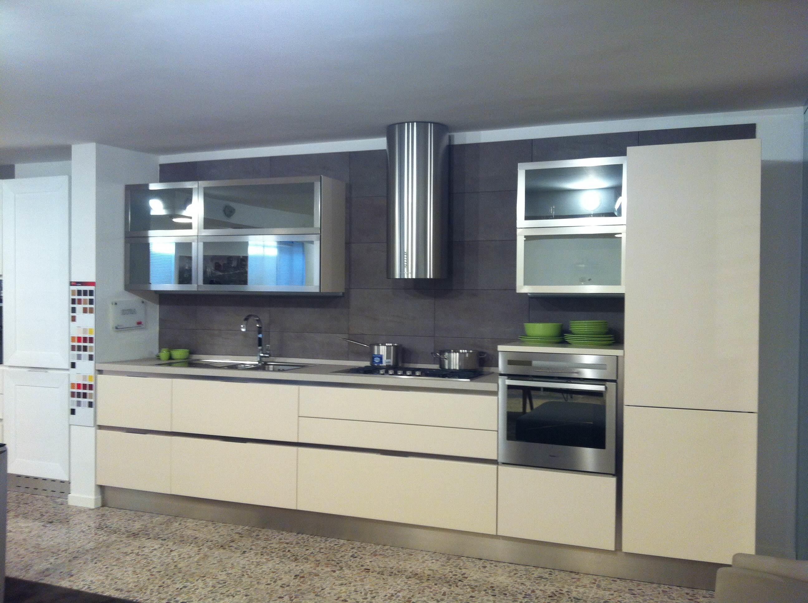 Cucina veneta cucine extra go moderna laccato opaco - Prezzi veneta cucine ...