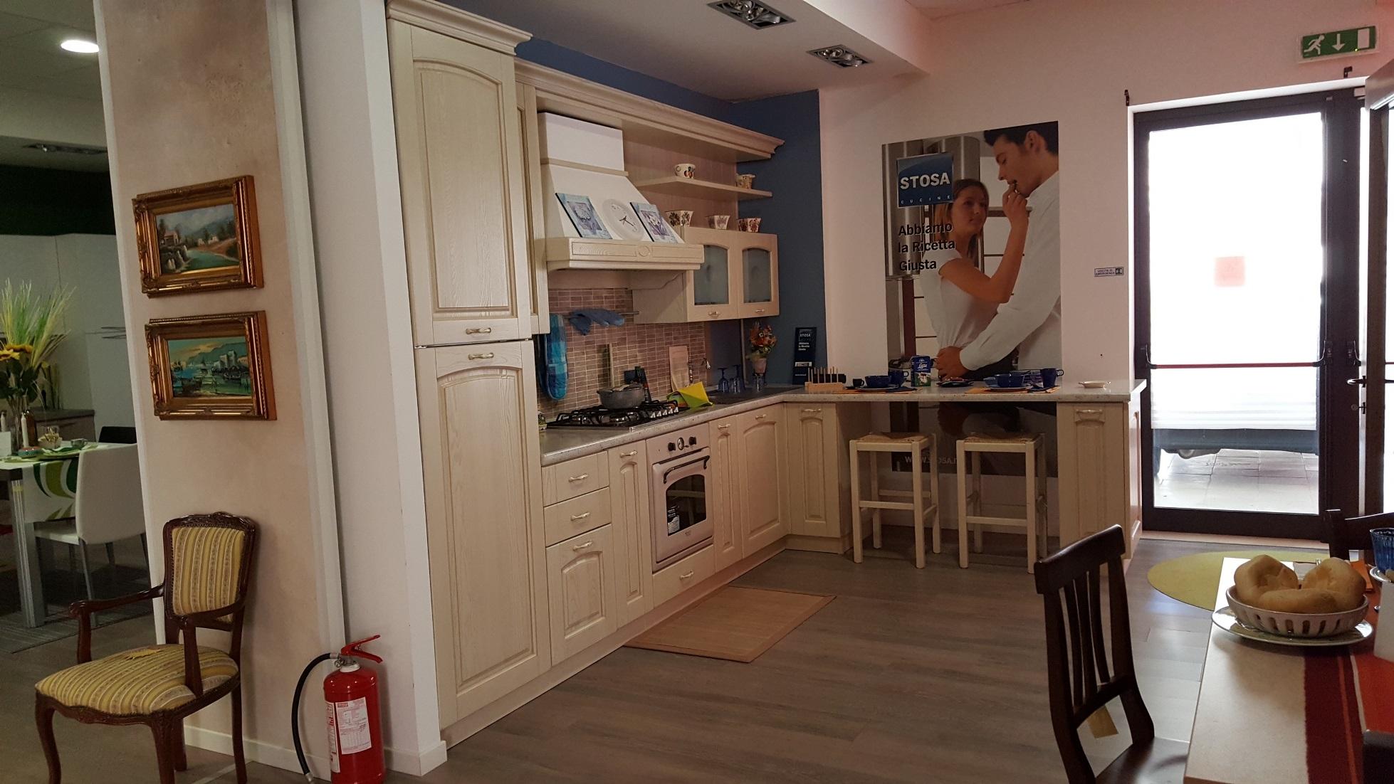 Stosa cucine cucina ginevra laccata stosa cucine scontato for Outlet cucine