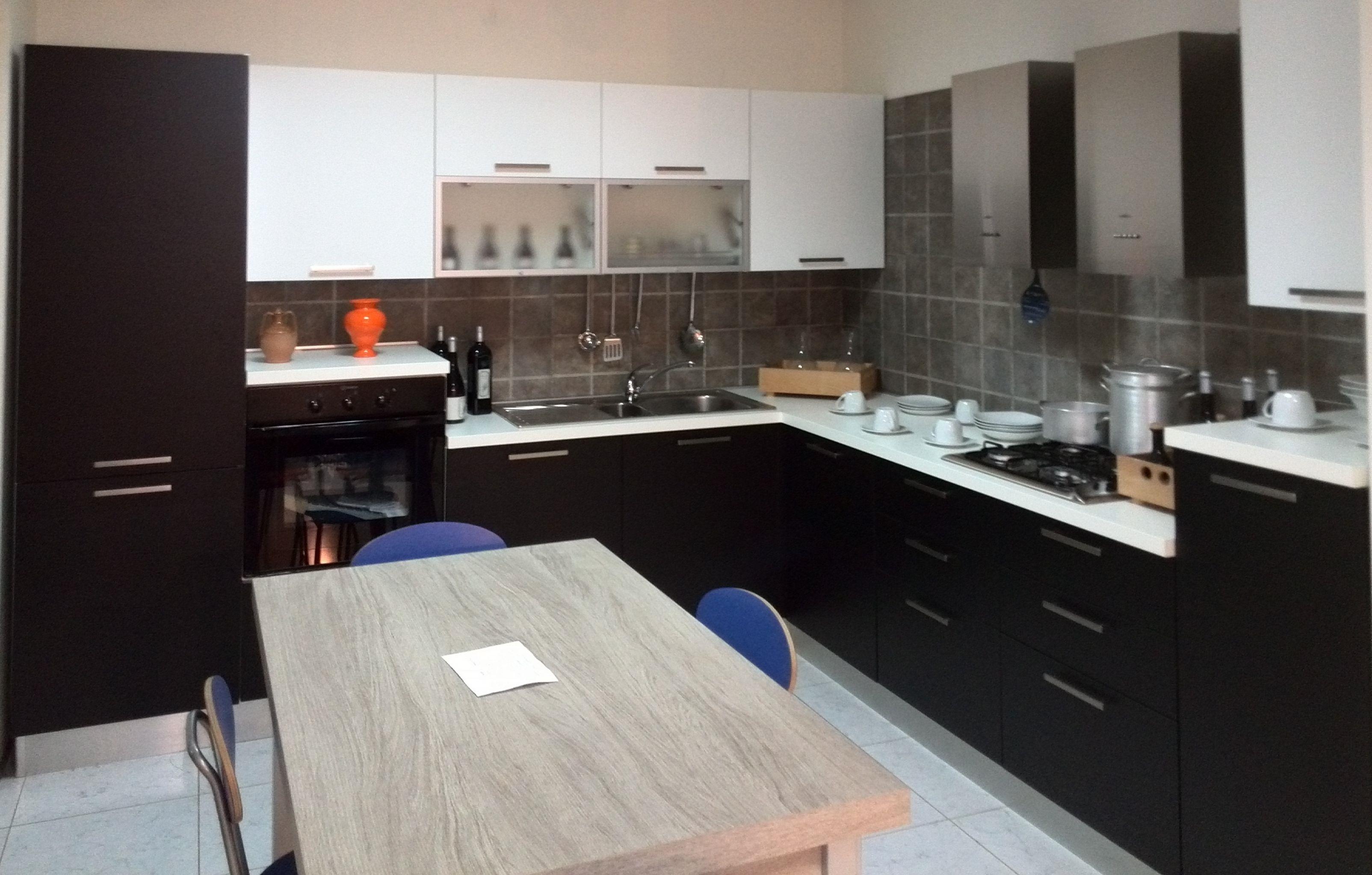 Laca Cucina artigianale anta frassinata bianco e nero ...