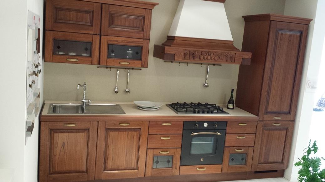 Cucina lube modello laura arte povera in legno massello for Cucine arte povera
