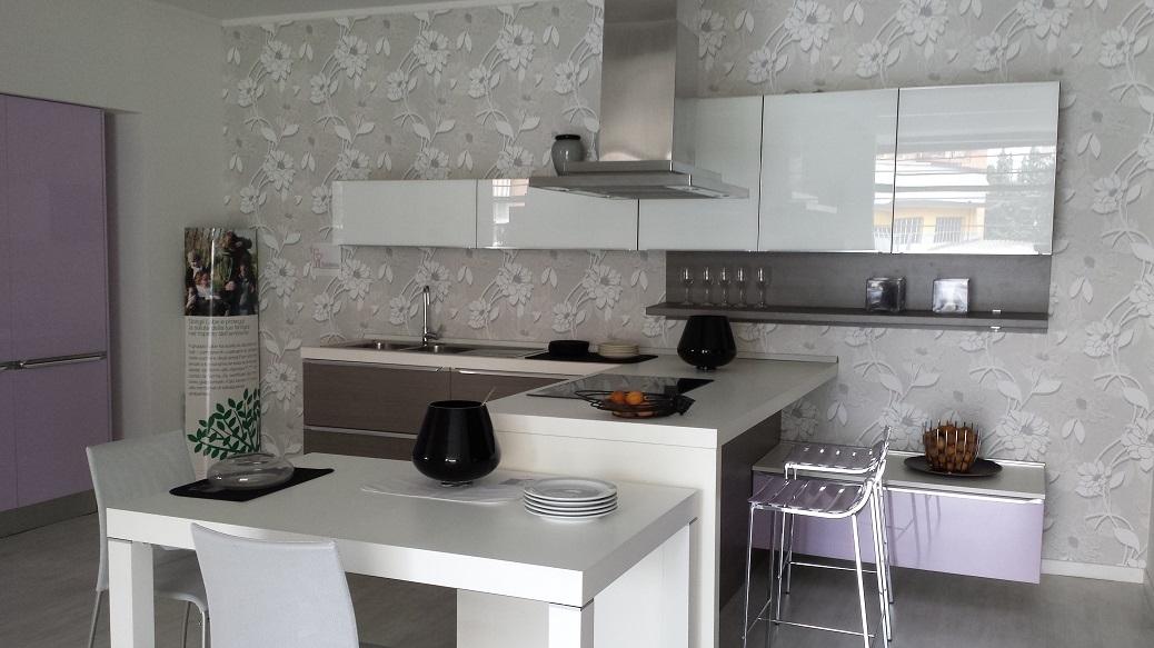 Lube cucine cucina fabiana con penisola in polimerico - Costi cucine lube ...