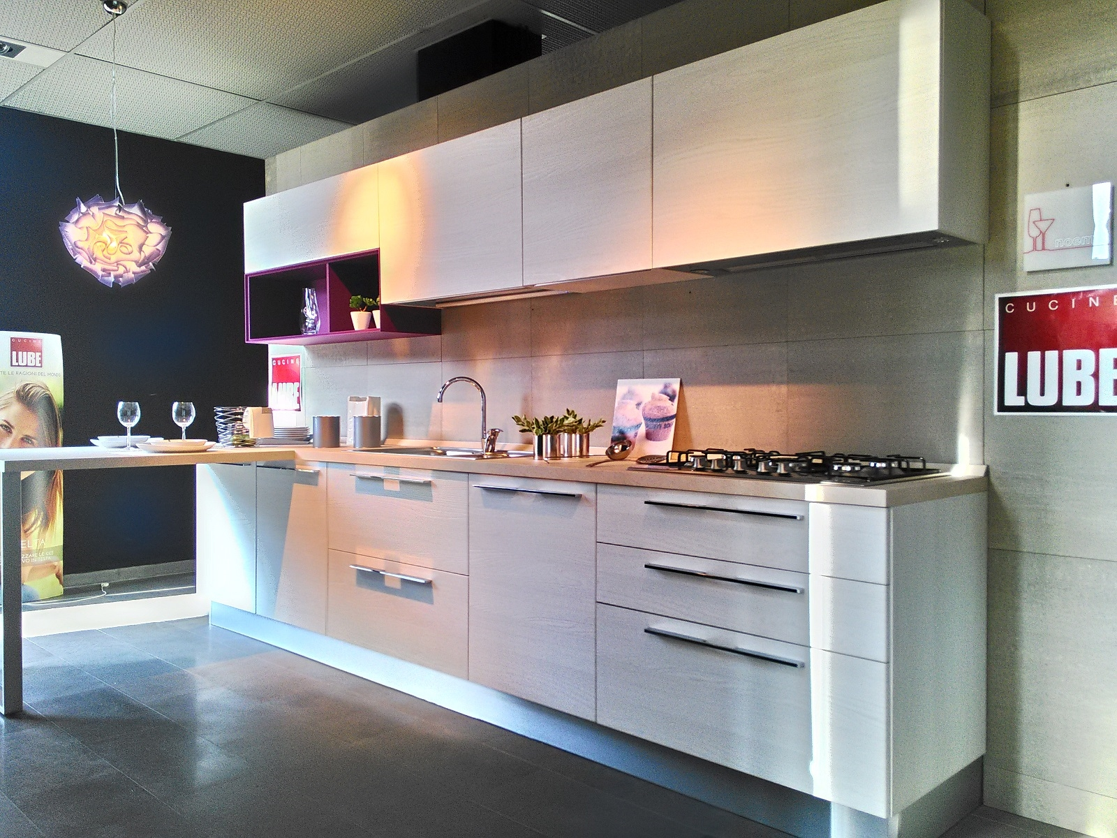 Rivestimento in legno bagno for Outlet cucine lombardia