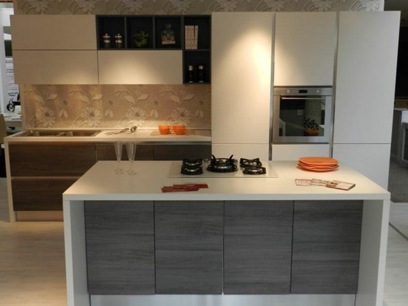 Lube cucine mod essenza - Cucina essenza lube ...