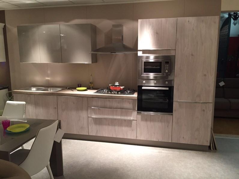 Netcucine cucina moderna lineare con elettrodomestici - Disposizione elettrodomestici cucina ...