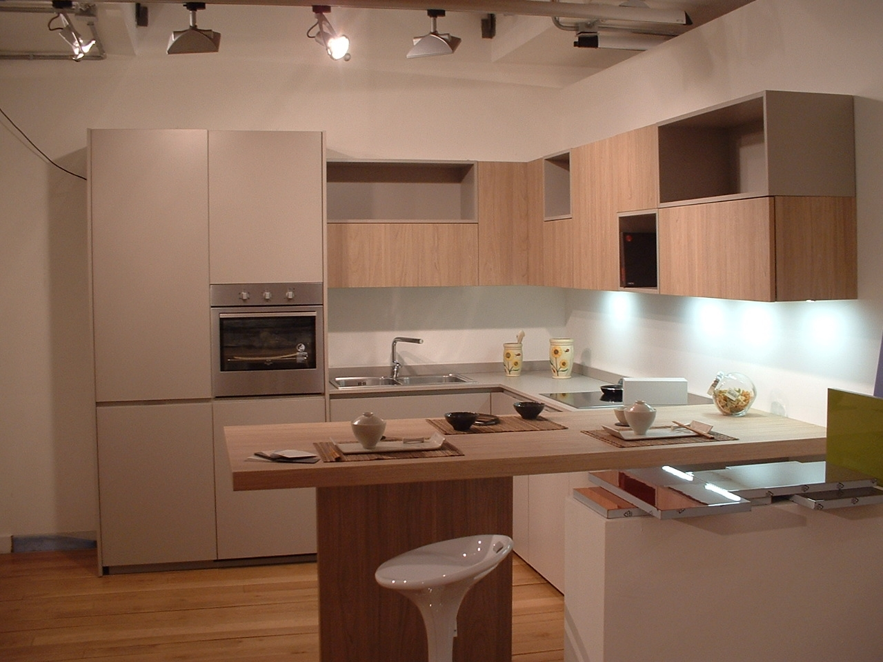Mk cucine cucina glam scontato del 65 cucine a prezzi for Bancone con angolo