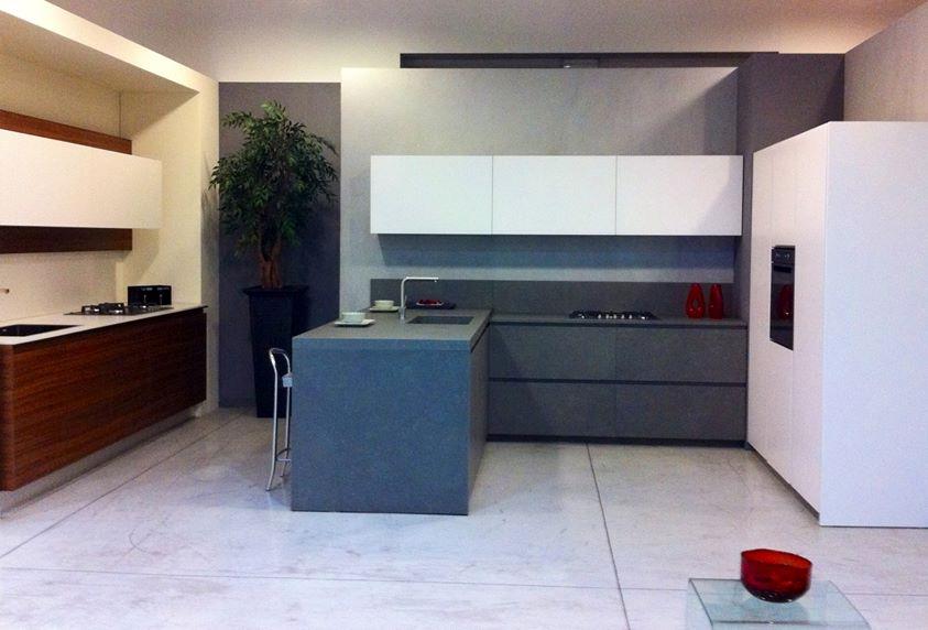 Cucine Con Lavatrice. Cucina Con Lavabo Sotto La Finestra Cucina Con ...