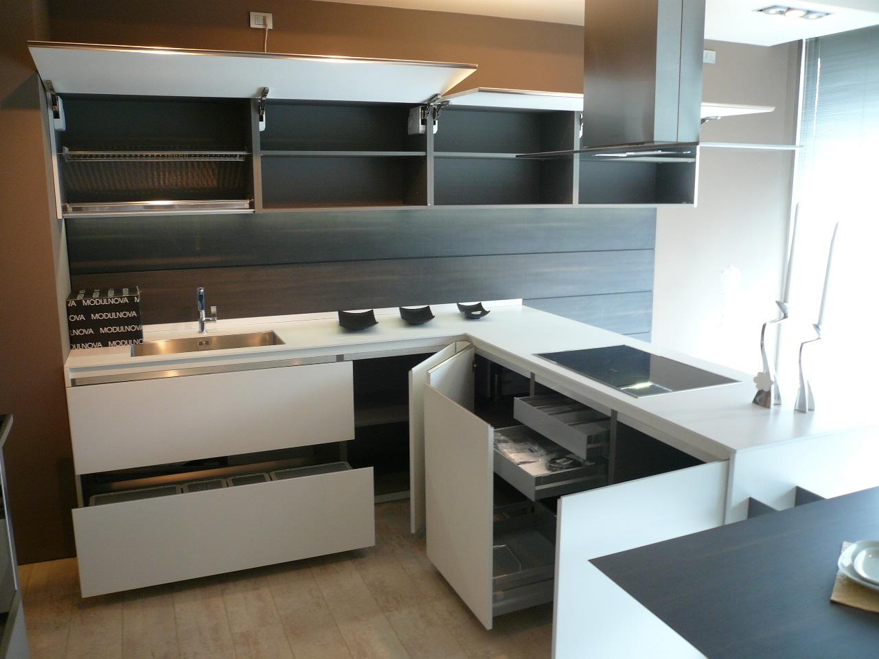 Cucina modulnova light design laccato opaco bianca cucine a prezzi scontati - Modulnova cucine prezzi ...