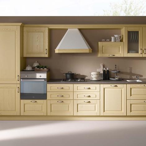 Cucina lineare in stile classico con elettrodomestici - Cucine a ...