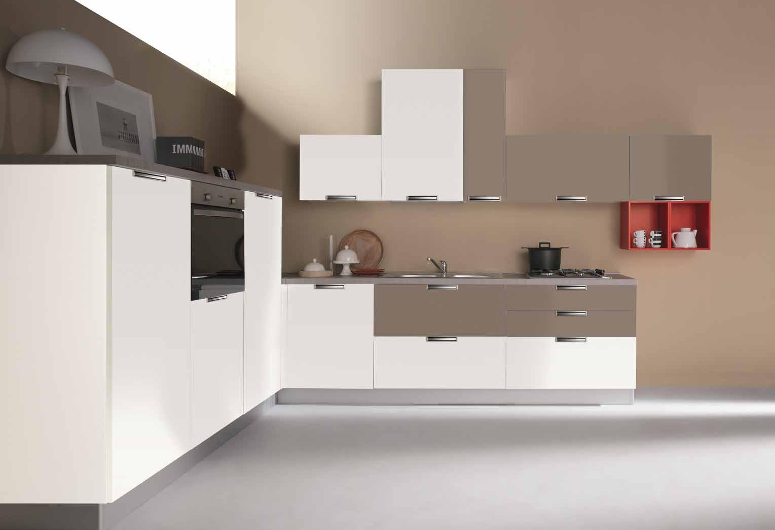 Cucina moderna angolare con elettrodomestici cucine a - Cucina con elettrodomestici ...