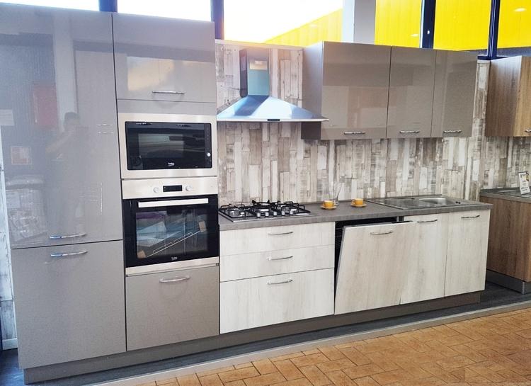 Netcucine cucina moderna lineare con elettrodomestici inclusi cod 04 spedizione gratuita - Disposizione elettrodomestici cucina ...