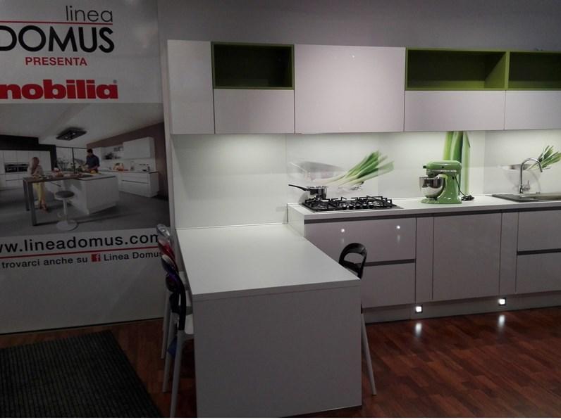 Altezza basi cucina beautiful altezza basi cucina with - Zoccolo cucina altezza ...