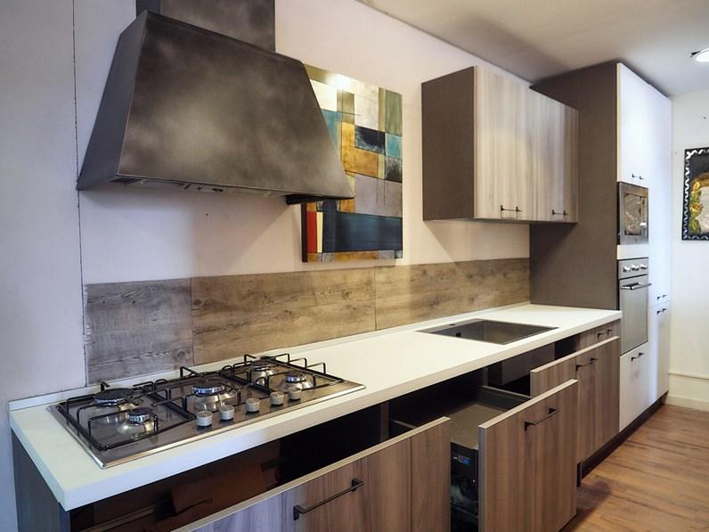 Nuovi mondi cucine cucina cucina lineare moderna sospesa - Cucina grigia e bianca ...