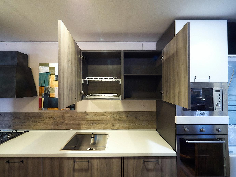 Nuovi mondi cucine cucina cucina lineare moderna sospesa anta grigia e laccata bianca compresa - Cucina moderna bianca e grigia ...