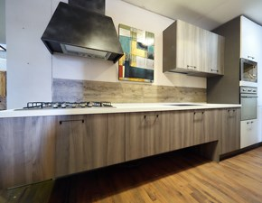 Cucina lineare moderna sospesa anta grigia e laccata bianca compresa di colonne white laccate  scontato del -44 %