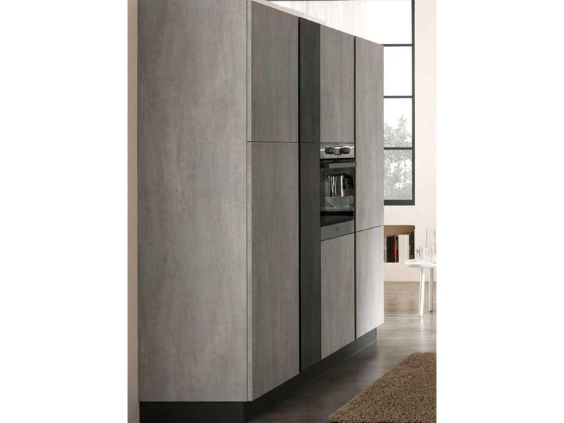 Nuovi Mondi Cucine Cucina Cucina maxi lineare con colonne dispense in  offerta nuovimondi cucine