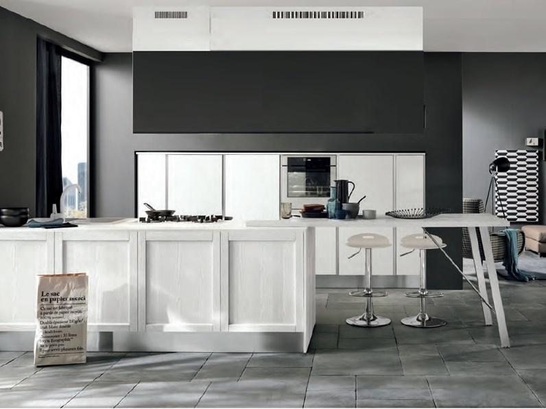 Nuovi mondi cucine cucina cucina moderna anta con maniglie for Cucine moderne isola
