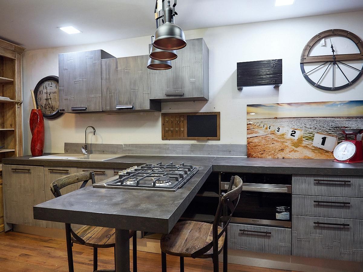 Nuovi mondi cucine cucina cucina moderna legno e bambu grey modello con penisola design in - Cucina moderna design ...
