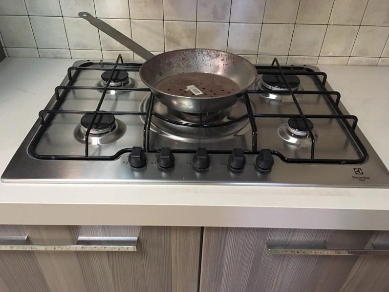 OFFERTA! Cucina ad angolo ASTRA CUCINE (misura 300x240cm) modello VELA