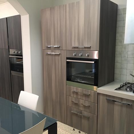 Offerta cucina ad angolo astra cucine misura 300x240cm modello vela cucine a prezzi scontati - Astra cucine prezzi ...