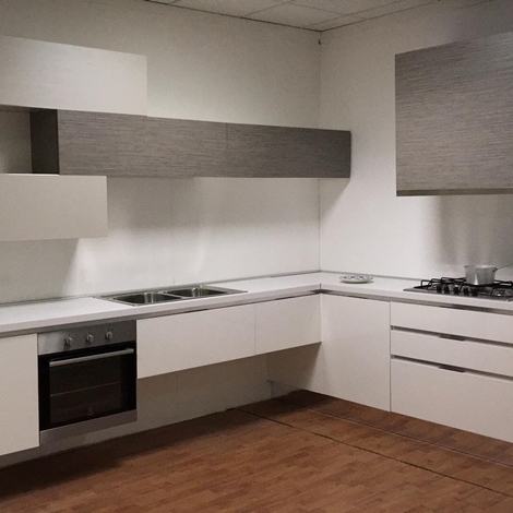 outlet OFFERTA cucina ad angolo (MISURA 330X270cm) ASTRA CUCINE mod SP22