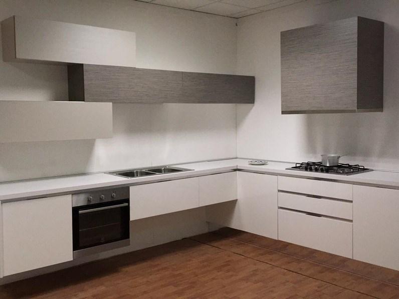 Offerta cucina ad angolo misura 330x270cm astra cucine - Composizione cucina ad angolo ...