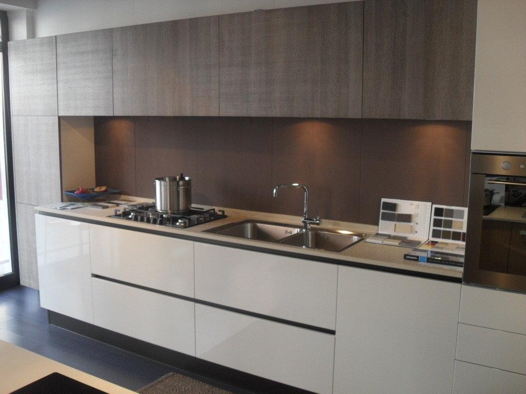 Cucine di marca in offerta idea creativa della casa e for Caratteristiche di interior design della casa colonica