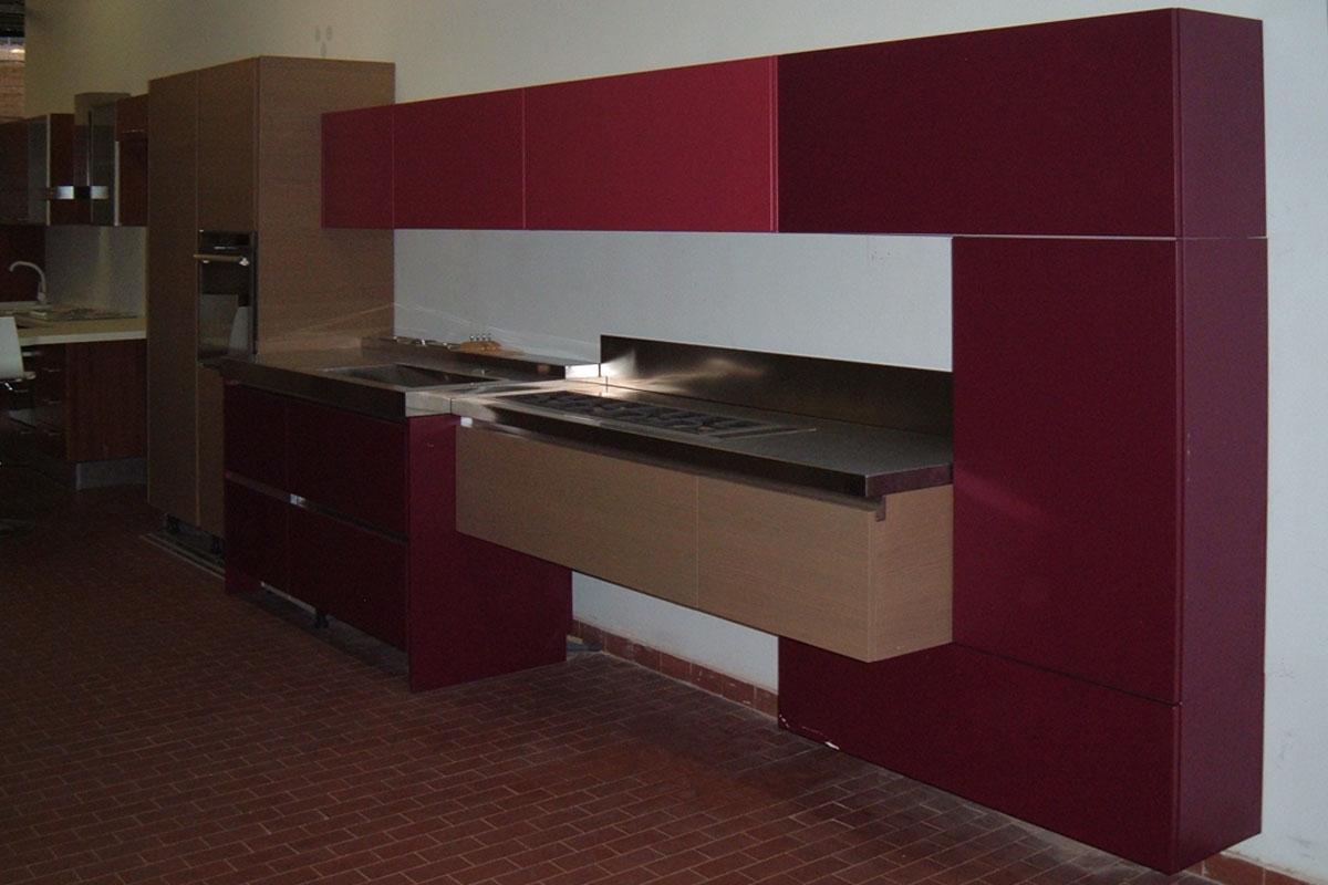 Offerta cucina lube brava rovere sigaro e laccato opaco - Cucina bordeaux ...
