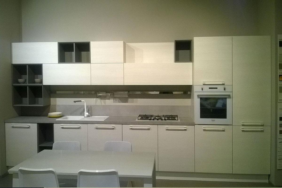 Offerta cucina lube noemi in laminato olmo bianco e laccato opaco titanio cucine a prezzi scontati - Cucina laccato bianco ...