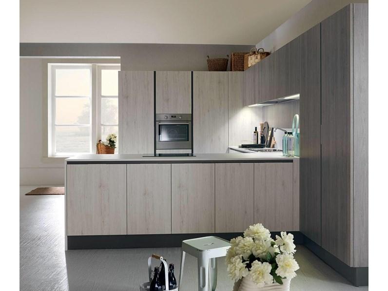 Offerta cucina mod vintage di cucine store con penisola for Mobilia store cucine