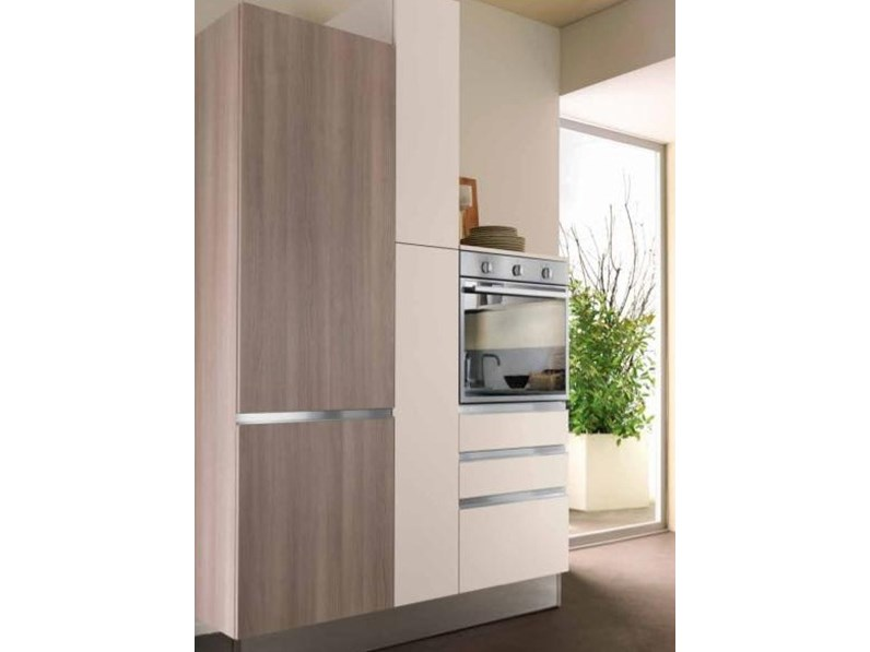 Offerta cucina modello iris di cucine store misura 300cm for Cucina 150 cm