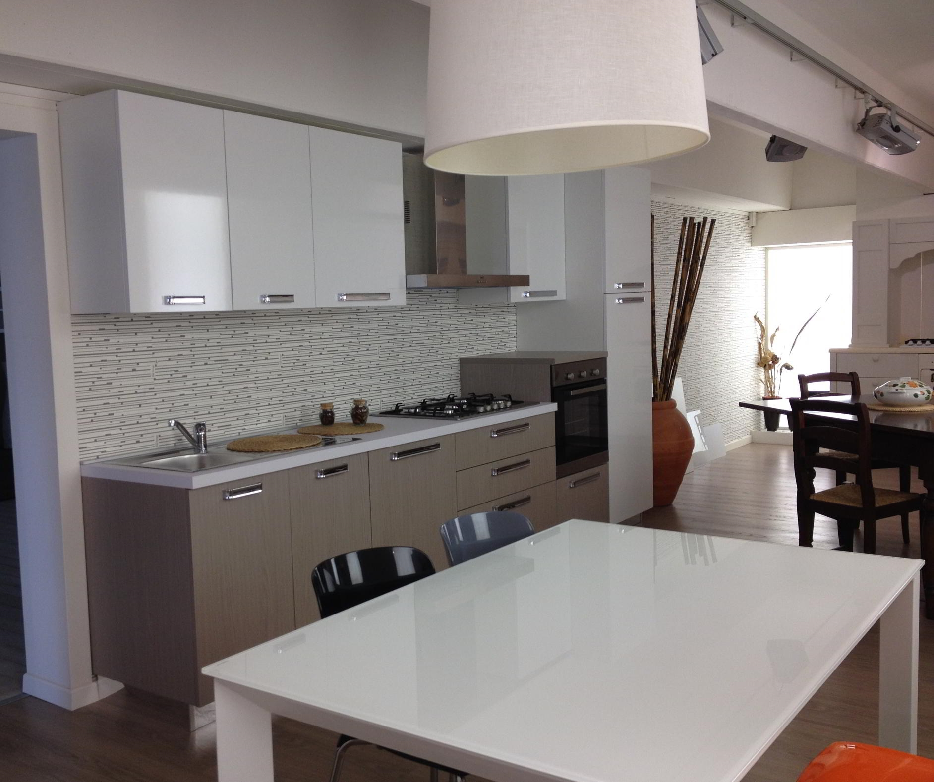 Vetrinette moderne a parete - Arredamento cucine moderne ...