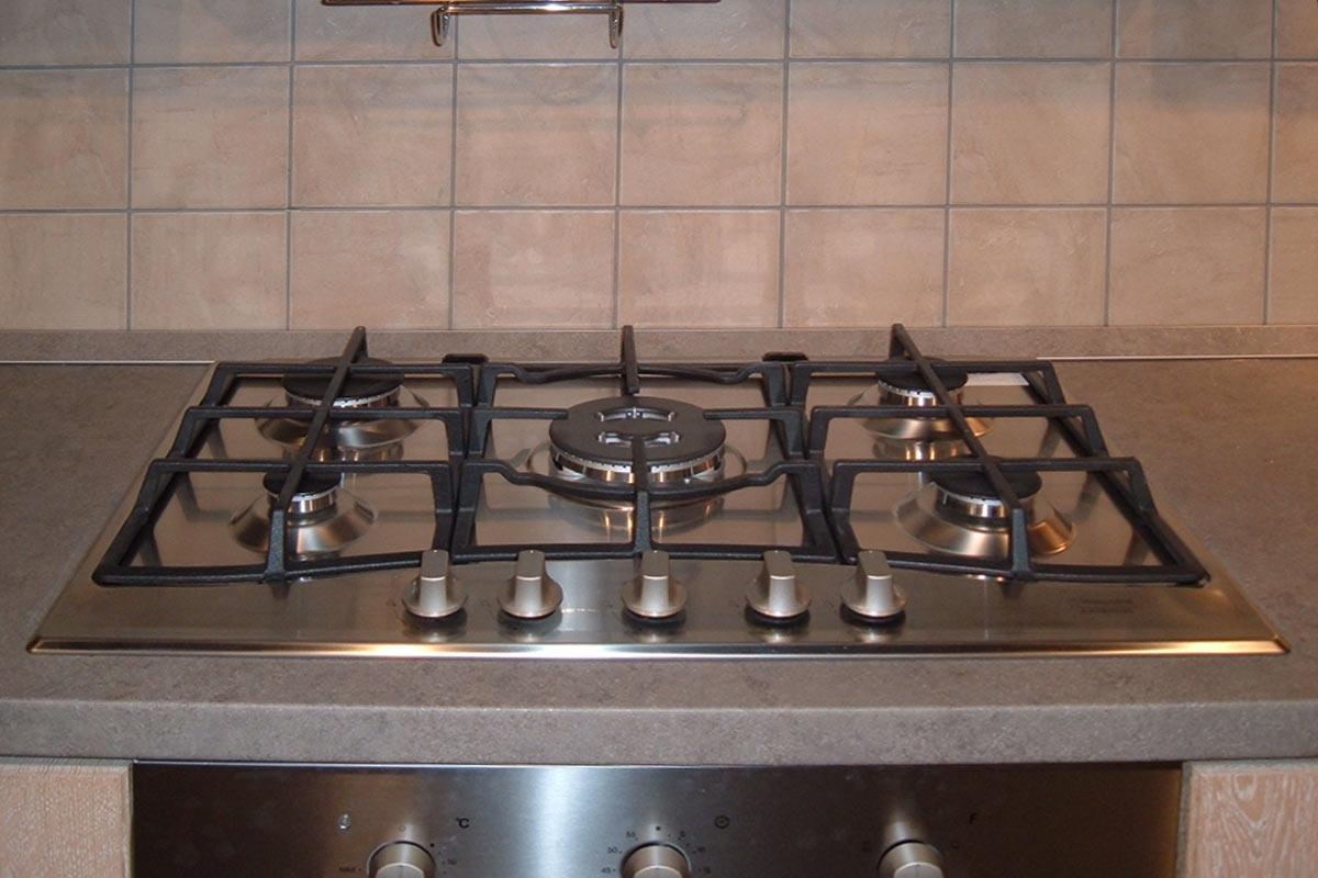 Offerta cucina stosa ontario legno impiallacciato rovere for Piano cottura 5 fuochi vetro