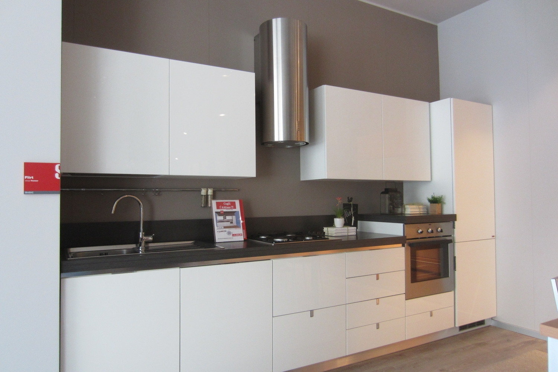 Offerta flirt laccata bianca cucine a prezzi scontati - Cucina senza maniglie ...