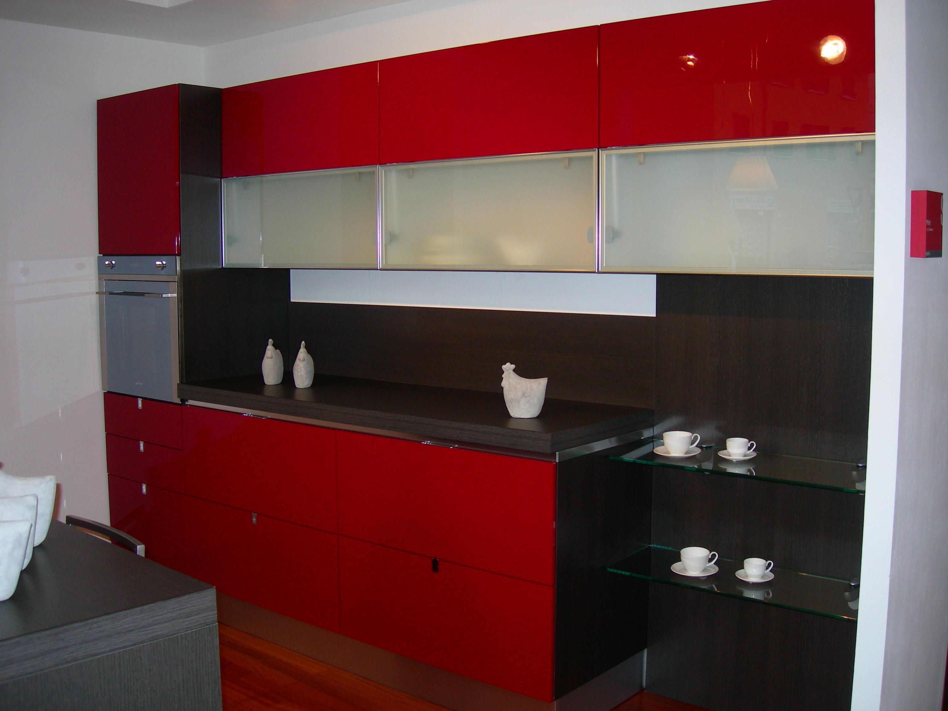 cucina rossa arredamento cucina : Cucina Scavolini Flirt Rossa in offerta - Cucine a prezzi scontati