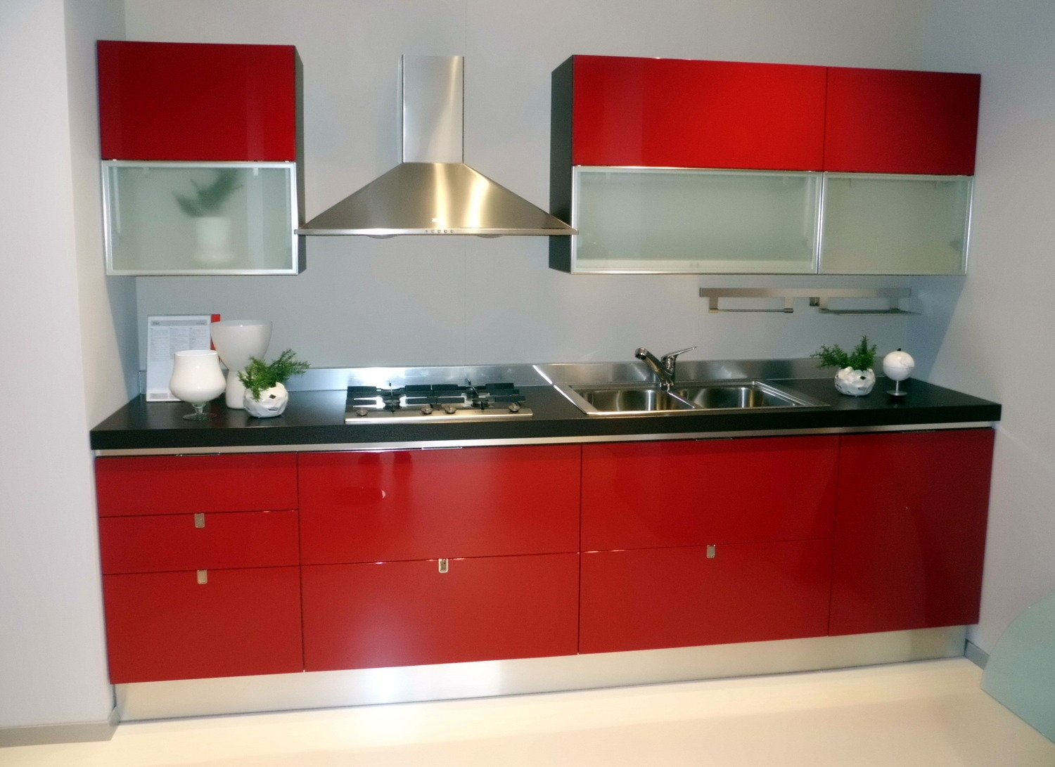 https://www.outletarredamento.it/img/cucine/offert...