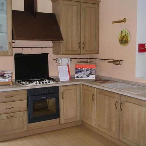 Cucina scavolini cora classica legno rovere chiaro - Cucina scavolini classica ...