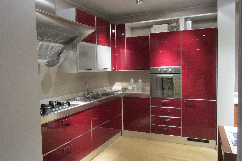 Offerta scavolini crystal red cucine a prezzi scontati - Ante in vetro cucina ...