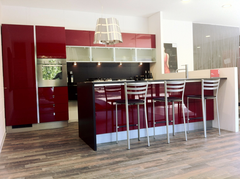 Offerta scavolini flirt rossa 4064 cucine a prezzi scontati - Cucine con soggiorno ...
