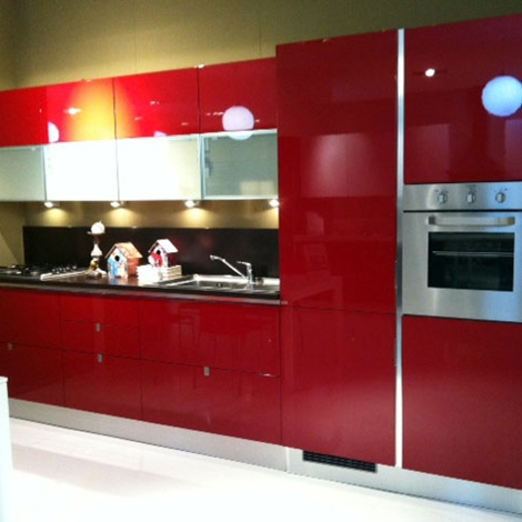 cucina mostra flirt laccata rosso lucido flirt nella versione laccata ...