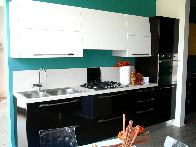 Offerta scavolini flux nera 4300 cucine a prezzi scontati - Cappa cucina nera ...