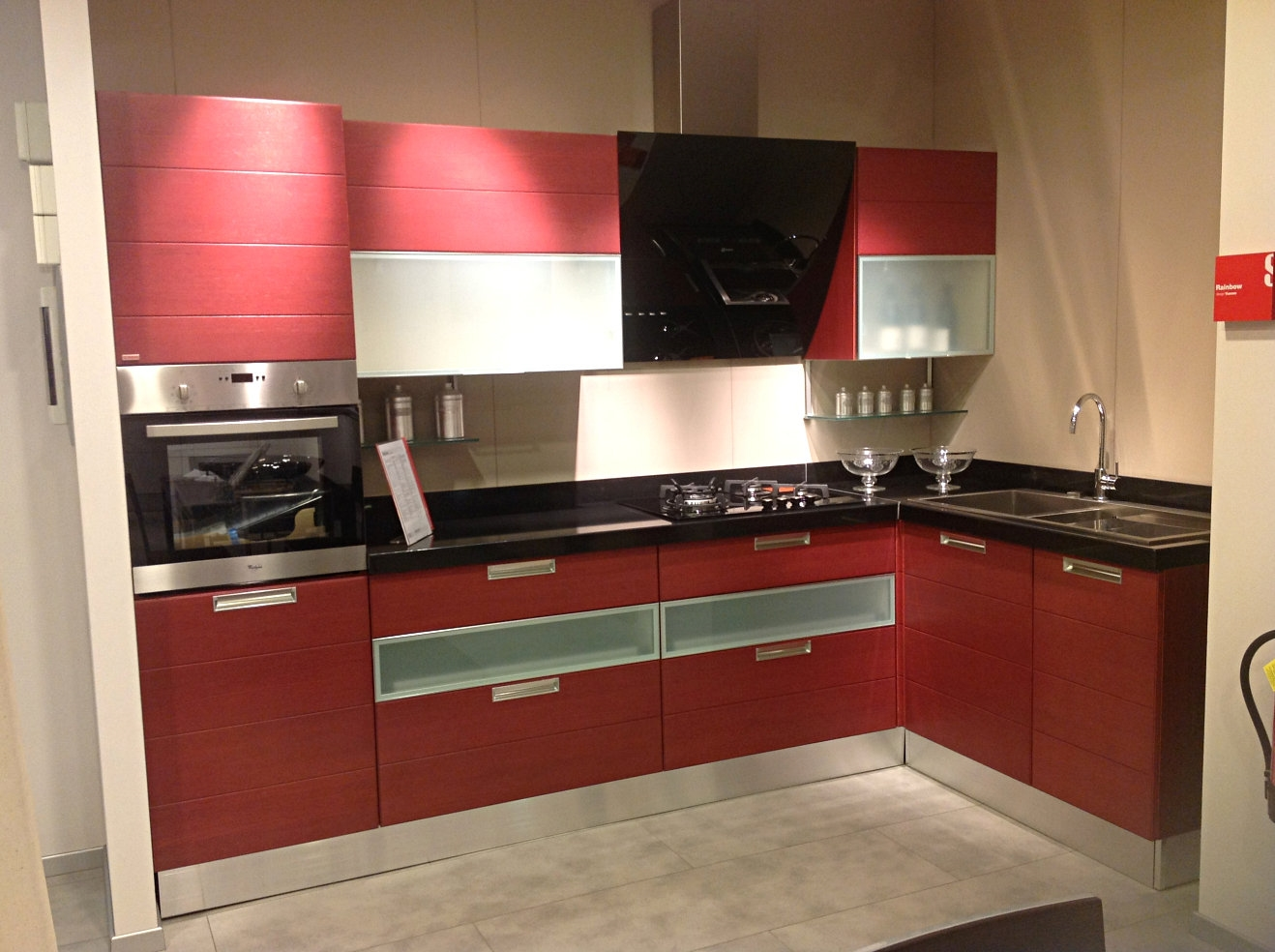 Cucine Scavolini Rainbow : Offerta scavolini rainbow red cucine a prezzi scontati